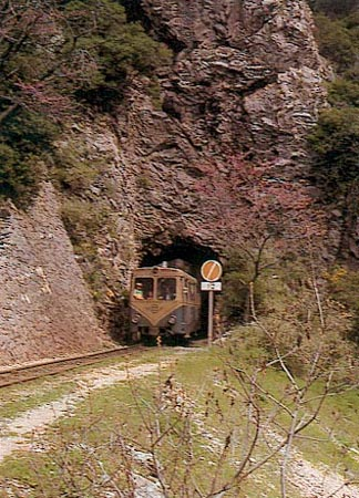 Vouraikos crossed by the train on the cog railway